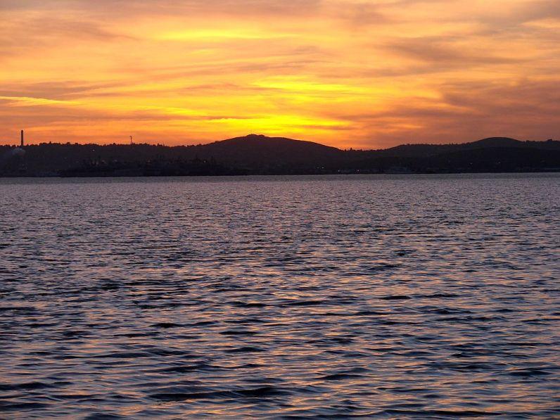 2013-3-12g sunset on Suisun