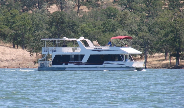 2011-7-14 Lake houseboat rental