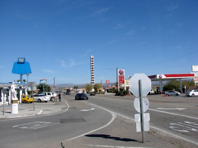 2014-2-22l semi-famous thermometer in Baker, CA