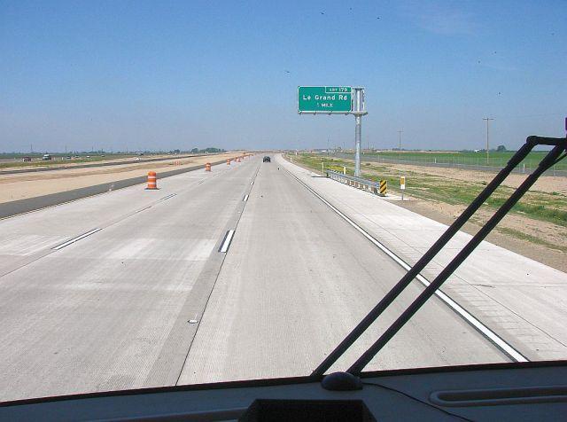 2014-4-6g very rare NEW roadway along SR99