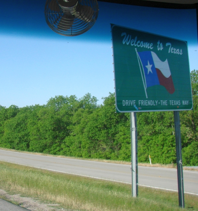 2014-5-15b I almost missed my Texas welcome sign