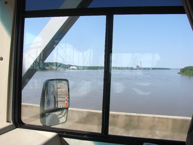 2014-5-16a Crossing the Miighty MIssissippi