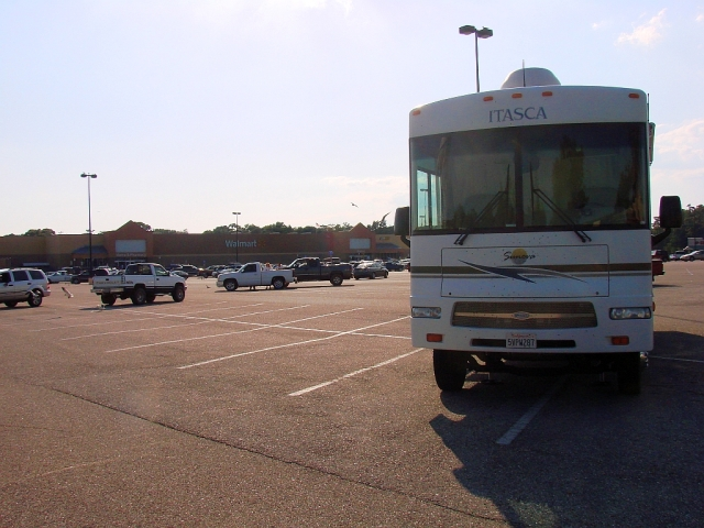 2014-5-18k jacks down at Semmes, AL Walmart near Mobile