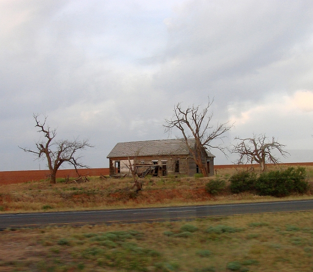 2014-5-21c an old Texas homestead long abandoned, I reckoned