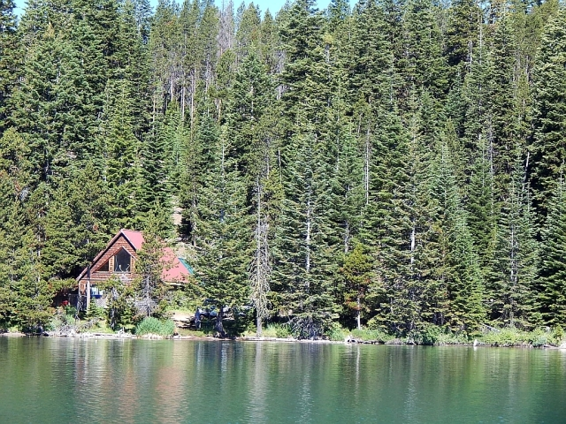 2014-7-10b rare lakeside cabin