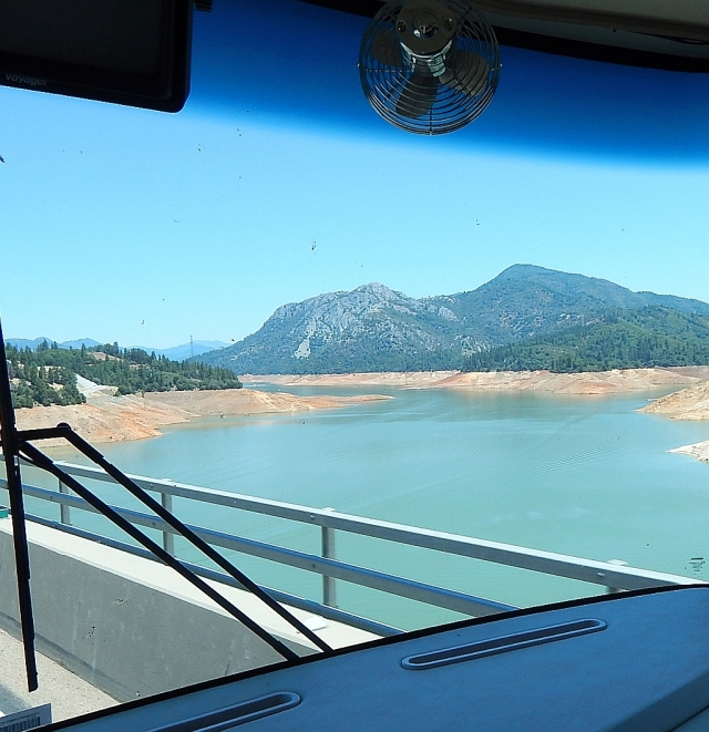 2014-7-7e crossing low Lake Shasta