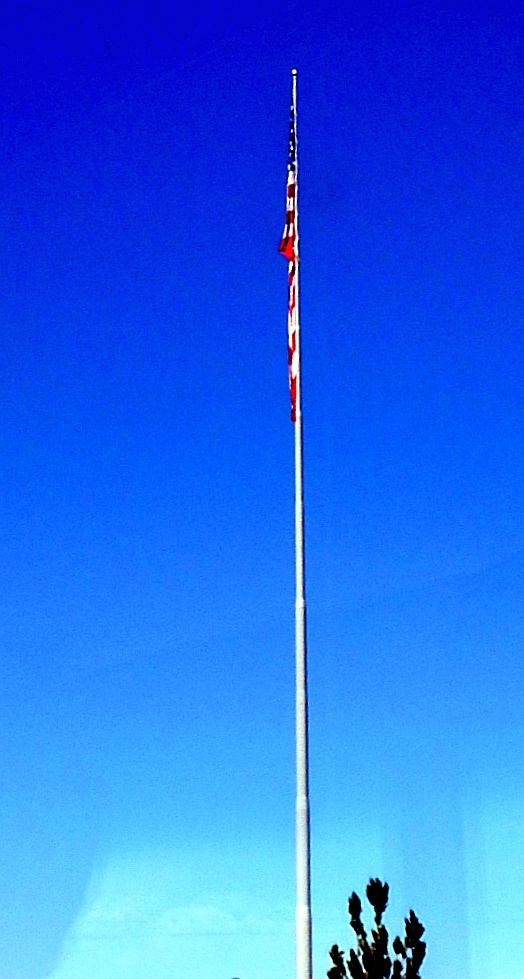 2014-7-7m Dorris, Ca city flag hot, windless day