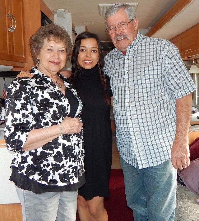 2014-8-27c  Grandma, Erica, Grandpa