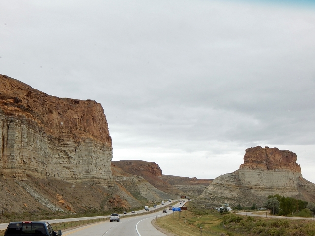 2014-8-27v formations near Green River WY