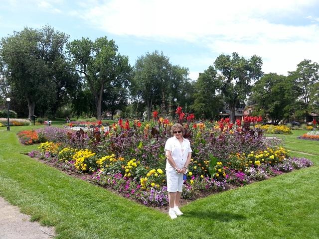 2014-8-31b Park Lavonne