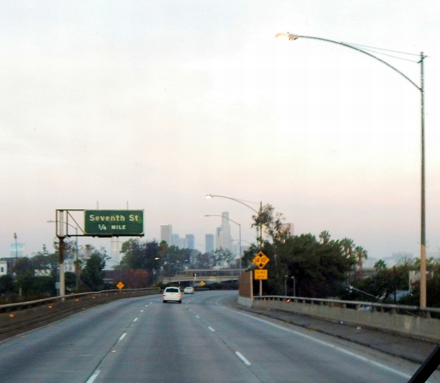 2014-11-16a Streaking north to home through LALA Land