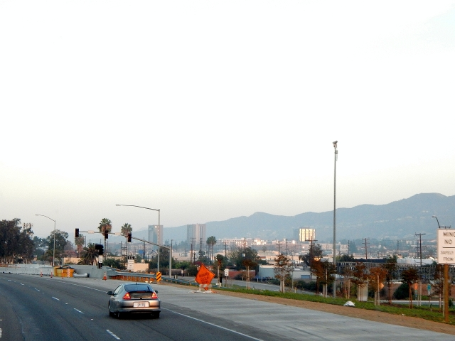 2014-11-16b Streaking north to home through LALA Land