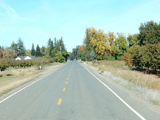 2014-11-5d nearing Gale's on Block Rd, a back country road