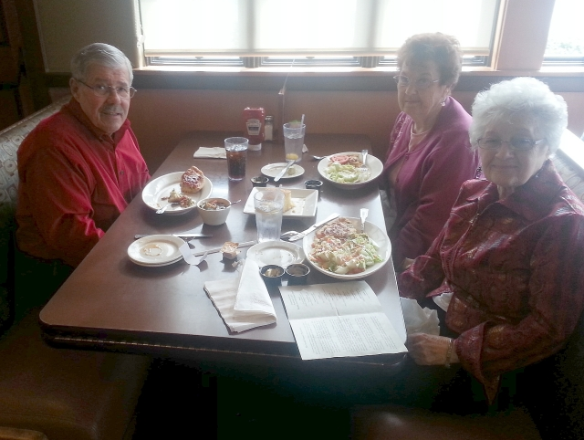 2015-1-22b Fresno lunch with Murle and Genene