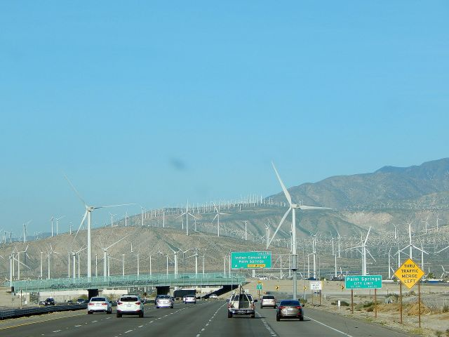 2015-2-4b Usually windy Palm Springs area