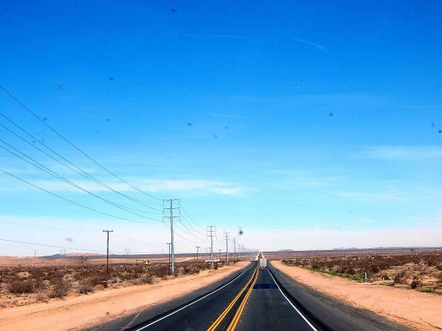 2015-2-4d US395 desert drive