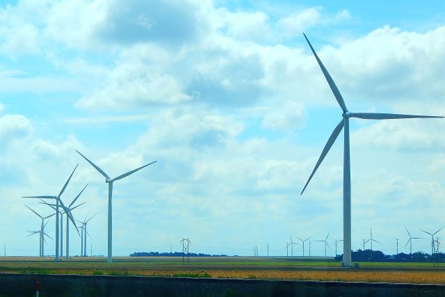 2015-6-16a Kansas grows wind turbines