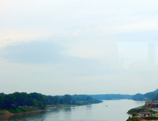 2015-6-18e crossing the Mighty Mo