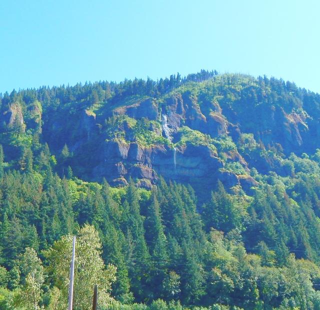 2015-6-22m Multnoma Falls