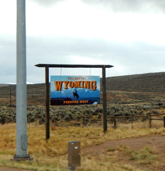 2015-9-17d welcome to Wyoming