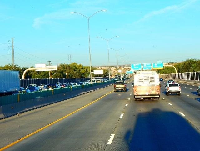 2015-9-28a Albuqurque traffic heading out