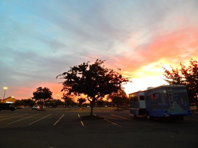 2015-9-30a Morning at Tulare Walmart