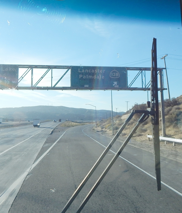 2015-10-23a SR138 east exit from I-5