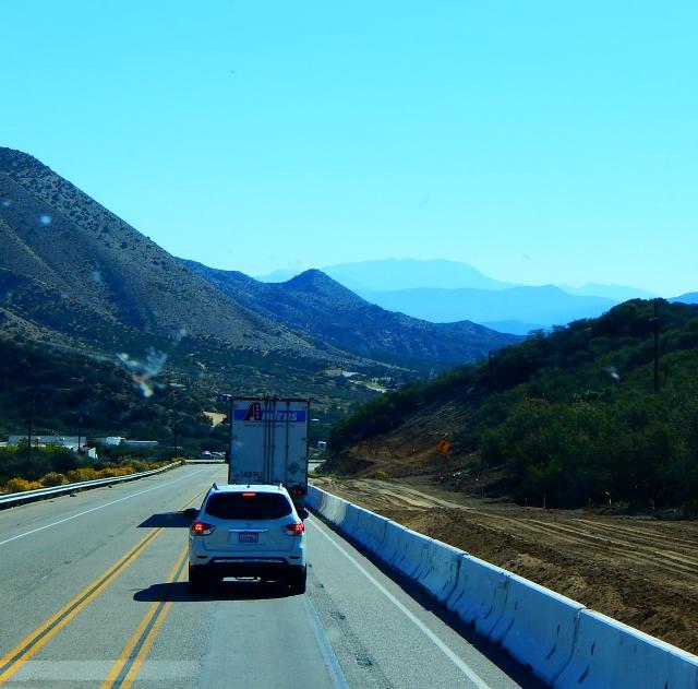 2015-10-23f SR 138 nearing I-15