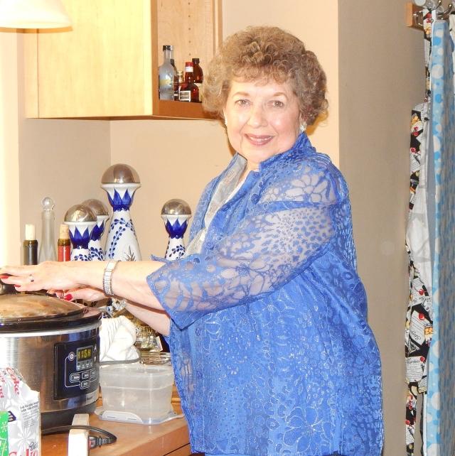 2015-12-25c Lavonne cooking
