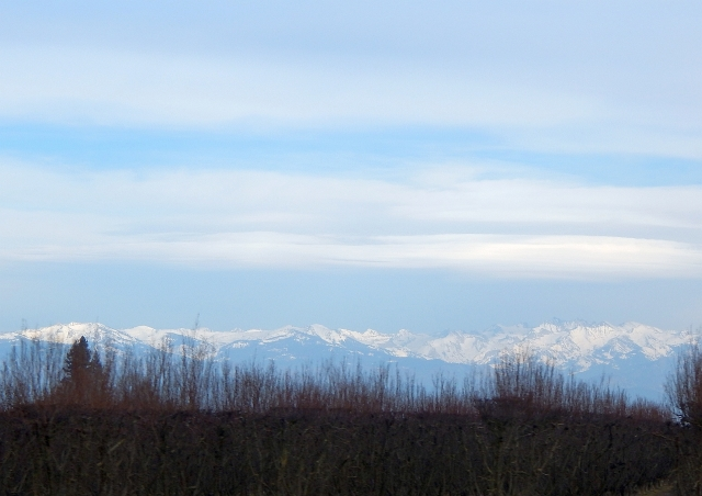 2016-1-21b Snowy Sierras from south of Fresno