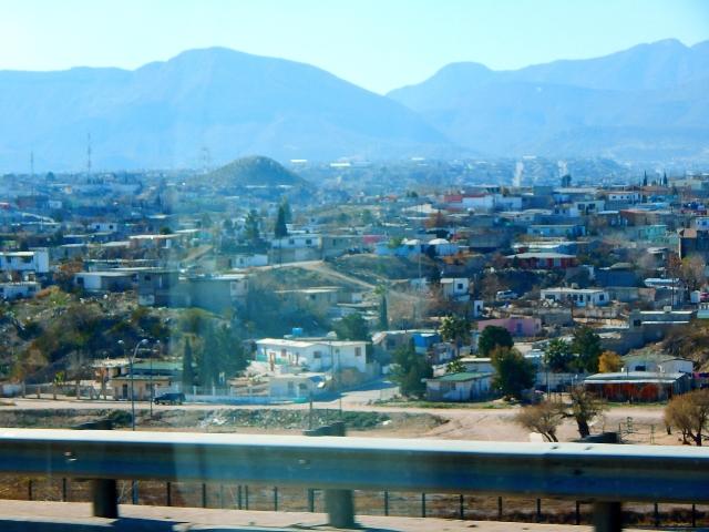 2016-1-27c Juarez Mexico along El Paso