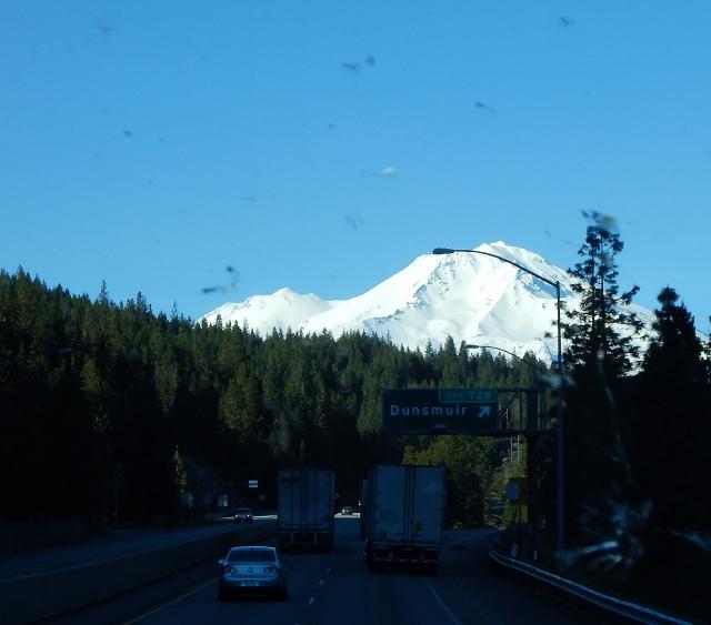 2016-3-31e snow packed Mt. Shasta