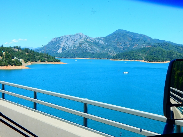 2016-7-18e Lake Shasta looking good