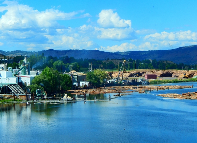 2016-7-18k Log mill near Klamath Falls