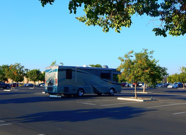 2016-8-12j Walmart  Fresno for the night