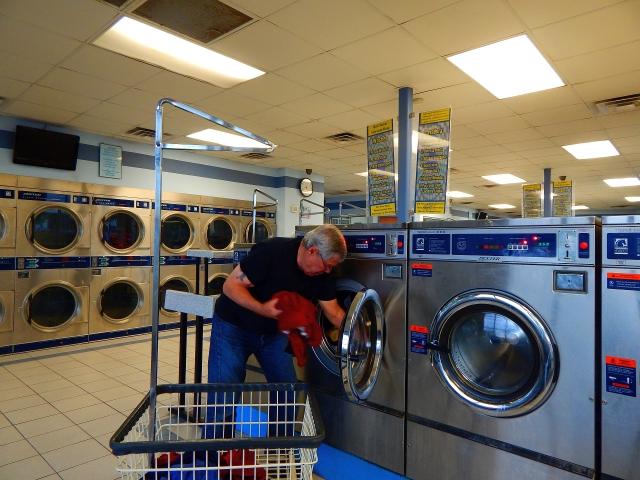 2017-5-15a Laundromat
