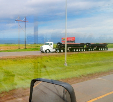 Another South Dakota rig with unbelievable number of axles and wheels - I read that such rigs can gross over 170,000 pounds! Generally, 18 wheelers gross a maximum 80,000 pounds.