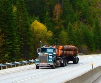 This Idaho logger reminded me of the days I hauled logs in Red Bluff, Kalifornistan back in the 70s. After all these years they appear almost identical to the old iron I drove.