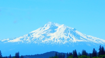 An even better view of Mt. Shasta that I couldn't resist.