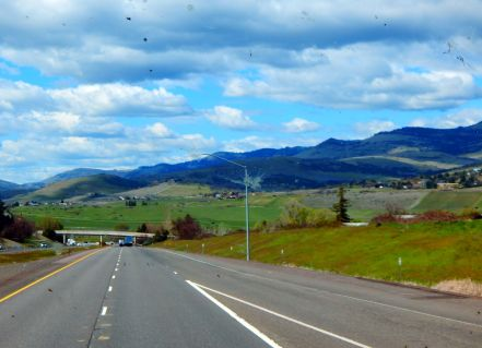 Dropping down the Siskiyou Pass into beautiful Oregon.