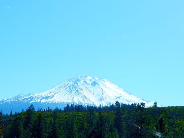 2018-4-23b Mt. Shasta