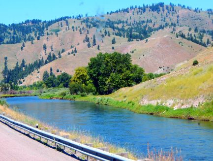 I believe this is the Clark Fork River, too.