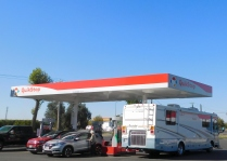 We stopped at the usual Quik Stop in Yuba City to fill up. While it was relatively cheap in crazy Kalifornistan, the $3.93 per that we paid was outrageous.