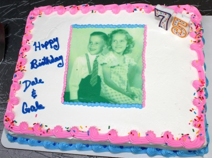 The photo birthday cake of... The Twins!