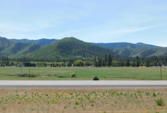More lovely plateau near Yreka.