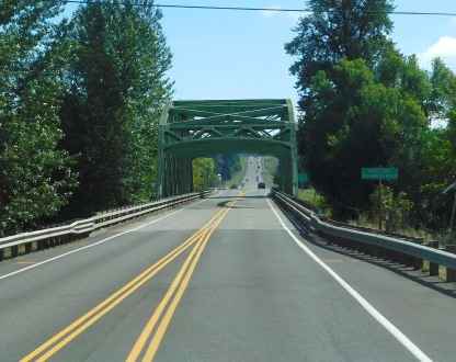 A picturesque bridge as we began the drive along beautiful OR58 east toward La Pine.