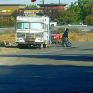 ...and more of the same. This old junker was near Denny's in Stockton where I had breakfast.