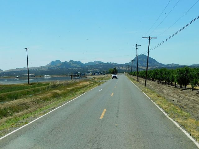 2020-4-30j Sutter Buttes