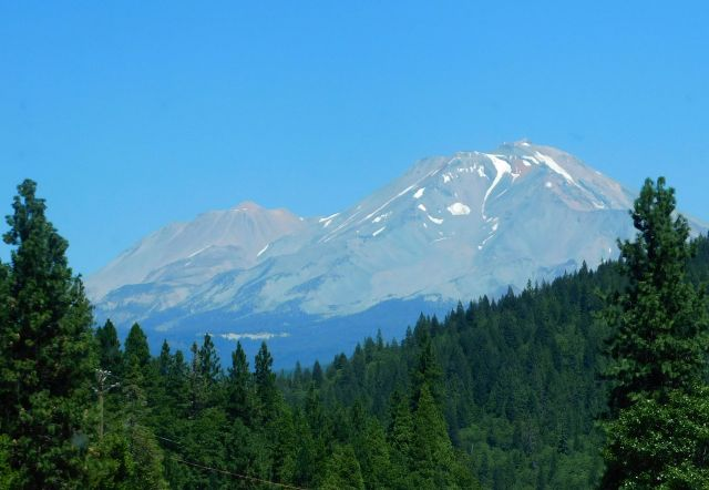 2020-8-13f dry Mt. Shasta
