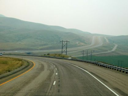 A windy section of I-15 that also shows the smoky air I'd dealt with for days.